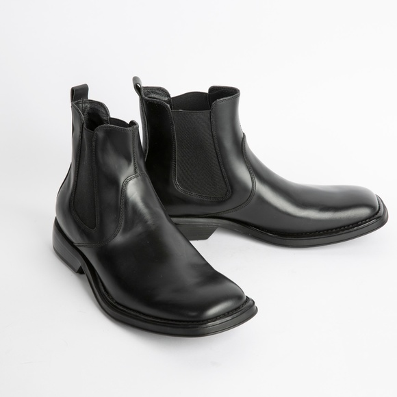 Kenneth Cole Unlisted Other - Kenneth Cole Unlisted Chelsea Boots